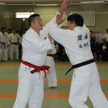 檜山会員(左)の試合風景