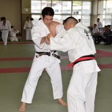 30才代の部第3位の上田選手(左)