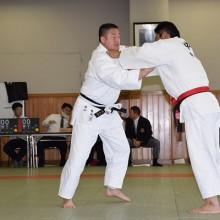 檜山会員(左)試合風景