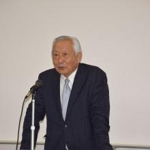 開講挨拶する福岡医療学院福岡医療専門学校の藤瀬武理事長