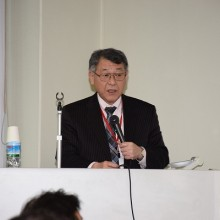 講義する研修試験財団の福嶋統代表理事