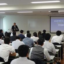 講師の橋本整骨院 院長 橋本浩二先生 講演風景