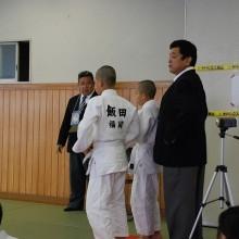 出番を待つ福岡県代表チーム選手監督