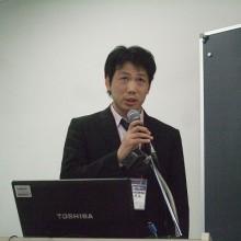 会場からの質問に答える角田会員