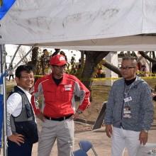 日赤の方と塩川副会長・小川副会長