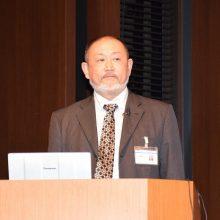 発表する竹田会員